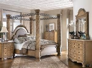Caledonian Inspired Canopy Bedroom Set 1000 Ideas About Canopy Bedroom Sets On