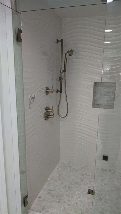 Wavy Bathroom Tile Porcelanosa S Qatar Nacar One Of My Favorite Wavy Tiles