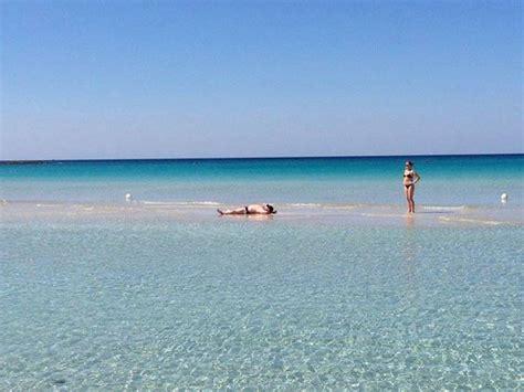 ceggio porto cesareo sul mare leccesette la foto giorno acqua cristallina a