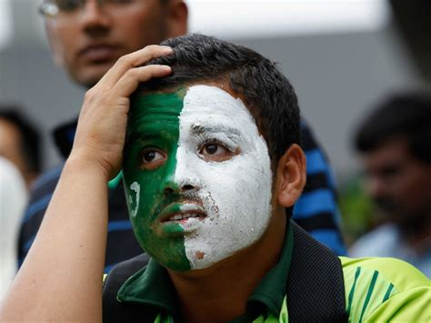 pakistan fans angry pakistan fans cause destruction stage mock funeral