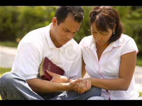 imagenes de personas reunidas orando dios restaura matrimonios youtube