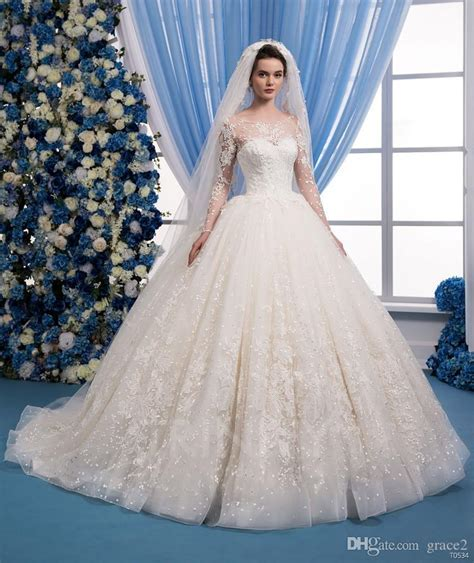 Romantic Lace Wedding Dresses 2018 With Free Veils Same