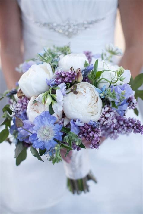 peas and peonies 25 stunning wedding bouquets part 6 peony lilacs and