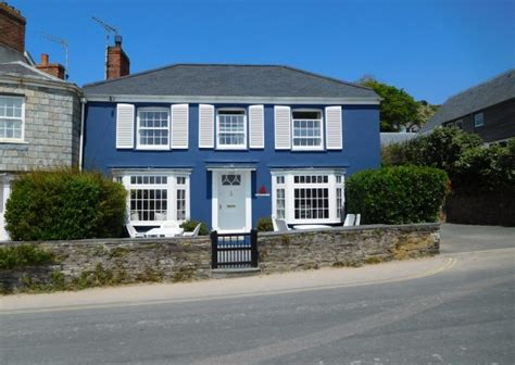 cottages in rock cornwall bay cottage self catering cottage in rock cornwall
