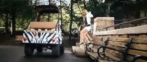 Die Motorrad Cops 2 Hindi Dubbed by Imcdb Org B B Packer On Club Car Chassis In Quot Zookeeper 2011 Quot