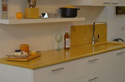 couleur plan de travail cuisine 3561 plan de travail de cuisine couleur ocre de couleur lave