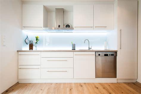 Küche Fliesenspiegel Alternative by K 252 Che Fliesenspiegel Verkleiden Haus Design Ideen