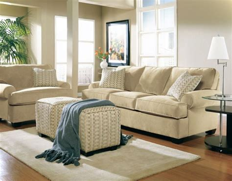 what cushions go with beige sofa what colour cushions go with cream sofa cream sofa color