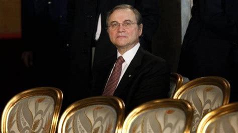 attuale governatore della d italia caso visco le accuse sulle crisi bancarie e il meccanismo
