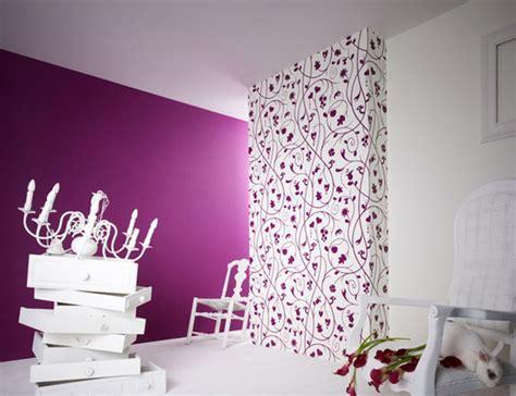 home interior design with wallpaper rift decorators wohnzimmer lila coole einrichtungsideen im lila freshouse