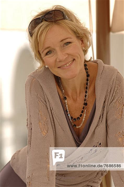Bewerben Mit Ende 40 Frau 40 50 Jahre Portrait Lizenzpflichtiges Bild Bildagentur F1online 7686586