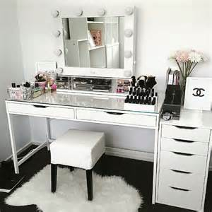 Makeup Vanity 25 Best Ideas About Makeup Vanity Desk On Vanity Desk Ikea Vanity Table And Vanity