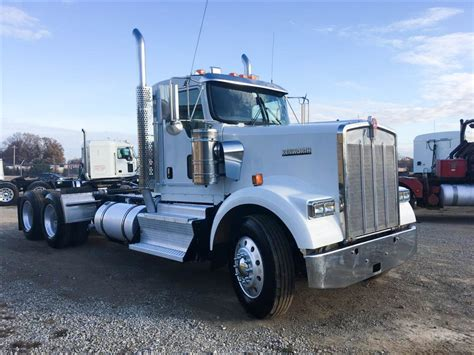 kenworth w900 for sale used 2012 kenworth w900 tandem axle daycab for sale in ms