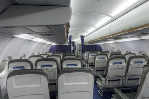 airbus a321 cabin layout airbus a321 100 200 blick in die kabine lufthansa magazin