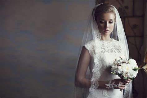 Wedding Hairstyles With Volume by Wedding Hairstyles With Veil Ideas 12 Looks To Inspire