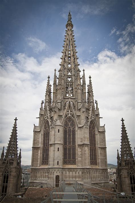 barcelonas gothic cathedral   enchanting perspectives