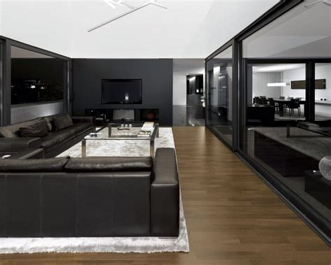 wohnzimmer wand schwarz wohnzimmer in grau und schwarz gestalten 50 wohnideen