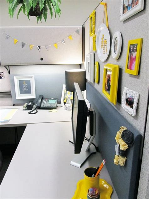 20 cubicle decor ideas to make your office style work as hard as you do 20 creative diy cubicle decorating ideas hative