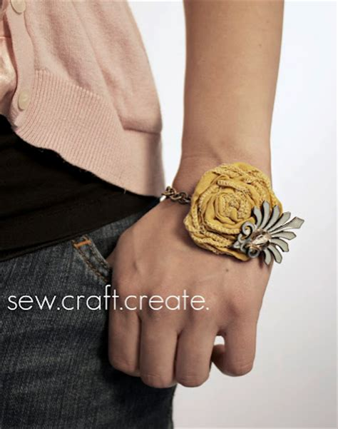 how to make flower bracelets with 15 easy things to make for best gift ideas tip