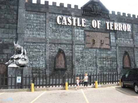 haunted house wisconsin dells haunted house we went in last year we went in the ghost outpost and so this year we