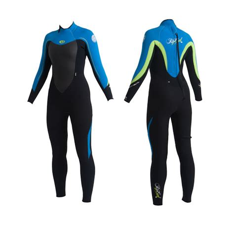 get surf clothing for better and enjoyable surfing