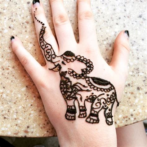 elephant hand henna tattoo best 25 henna animals ideas on