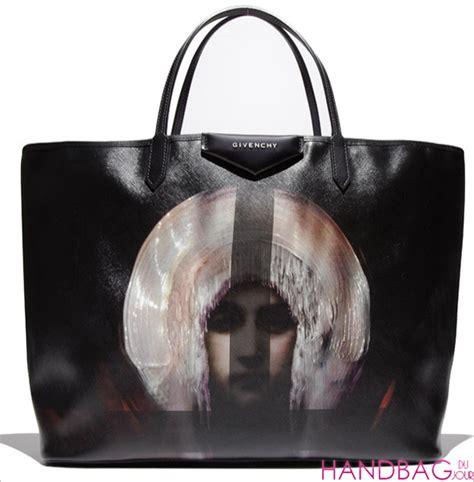 Limited Edition Givenchy Shoper givenchy antigona madonna print large shopper bag