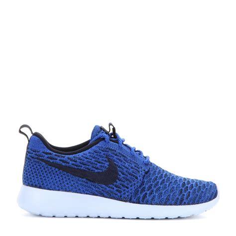 nike sneakers lyst nike rosherun flyknit sneakers in blue
