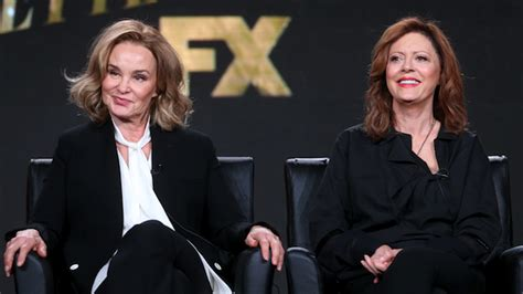 jessica lange and susan sarandon as joan crawford and ryan murphy s feud bette and joan stars power duo jessica