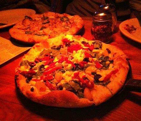 best pizza lincoln park homeslice lincoln park pizza restaurant