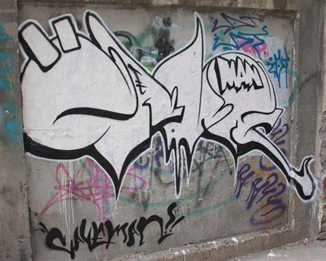 throw ups  caveman wuhan china street art