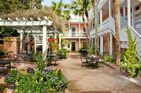 elliott house inn charleston sc elliott house inn 78 queen street charleston sc hotels