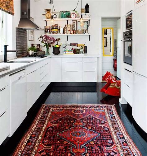 stunning picture  choosing  perfect kitchen rugs