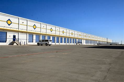 Rooms To Go Brookshire by Rooms To Go Distribution Center Showroom Brookshire