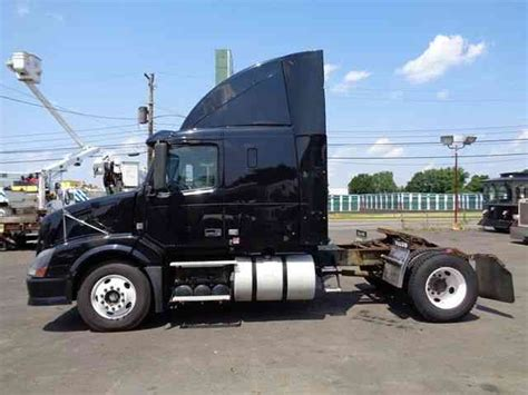 2008 volvo semi truck volvo vnl42t 2008 sleeper semi trucks