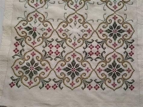 tappeti a punto croce tappeti da ricamare a punto croce punto croce pagina 2