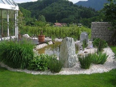 Steine Garten by Teich Gr 252 Ne Pflanzen Und Steine F 252 R Eine Sch 246 Ne Garten