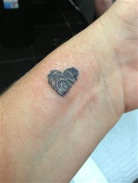 tattoo of us thumbprint heart fingerprint tattoohelenasaurus