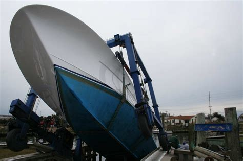 fishing show boat accident dropped sportfishing boat the hull truth boating and