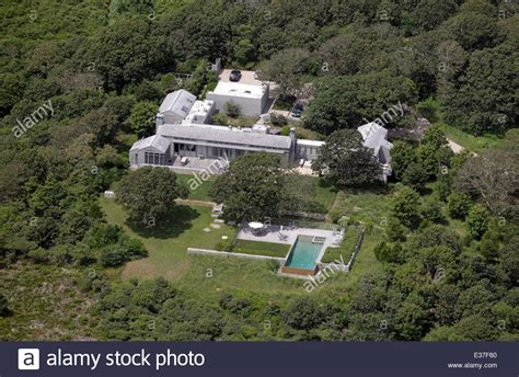 President Obama House by Us President Barack Obama Has Rented This Vacation Home On Martha S Stock Photo Royalty Free