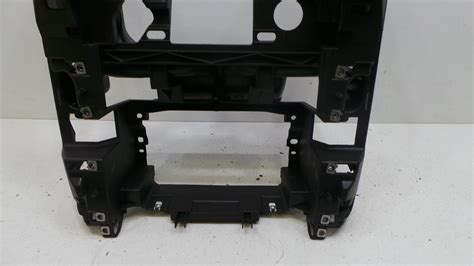 2007 land rover discovery 3 centre dash trim in black