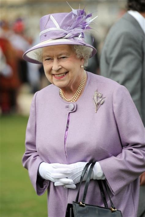 google images queen elizabeth queen elizabeth s hats google search queen elizabeth s