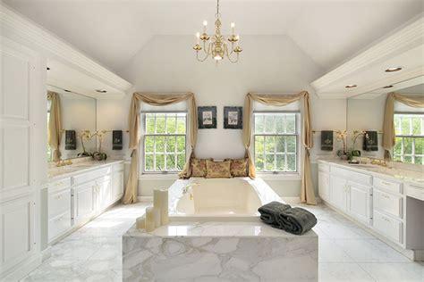 Oval Kitchen Islands luxe badkamers voorbeelden en foto s
