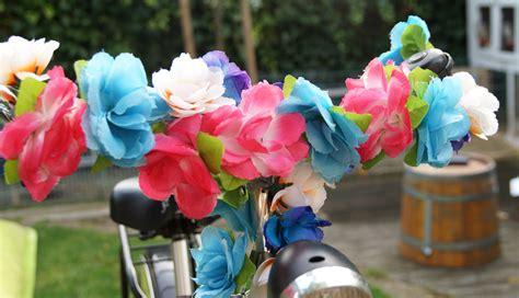 fiets bloemen hema piinkbeautyprincess bloemenkrans voor op je stuur