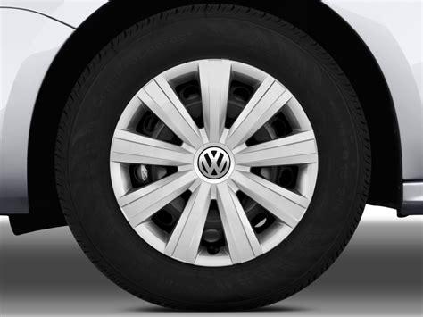 image  volkswagen jetta sedan  door auto  wheel cap size    type gif posted