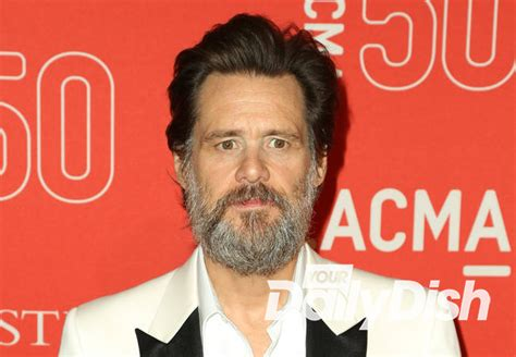 actress found dead after golden globes jim carrey to make first red carpet appearance since
