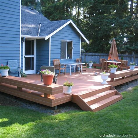 backyard platform deck 25 best ideas about platform deck on pinterest decking