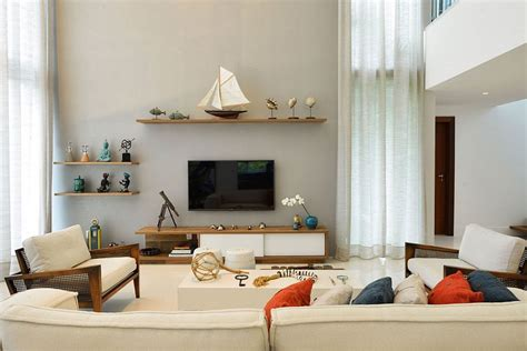Beach House: Reinventing the Nautical Theme with