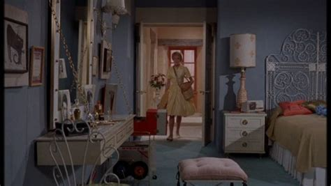 the bedroom trap the original parent trap two sisters two houses