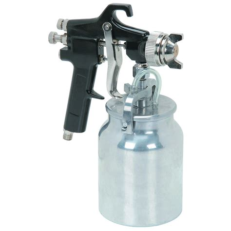 spray painting a gun air paint spray gun